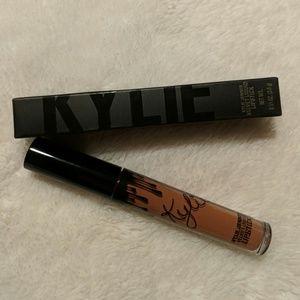 Kylie Jenner Velvet Liquid Lipstick in Basic